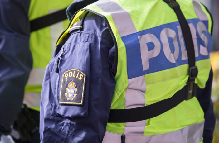 Father arrested for beating burglar, who took his 7-year-old son hostage with a gun - Sweden